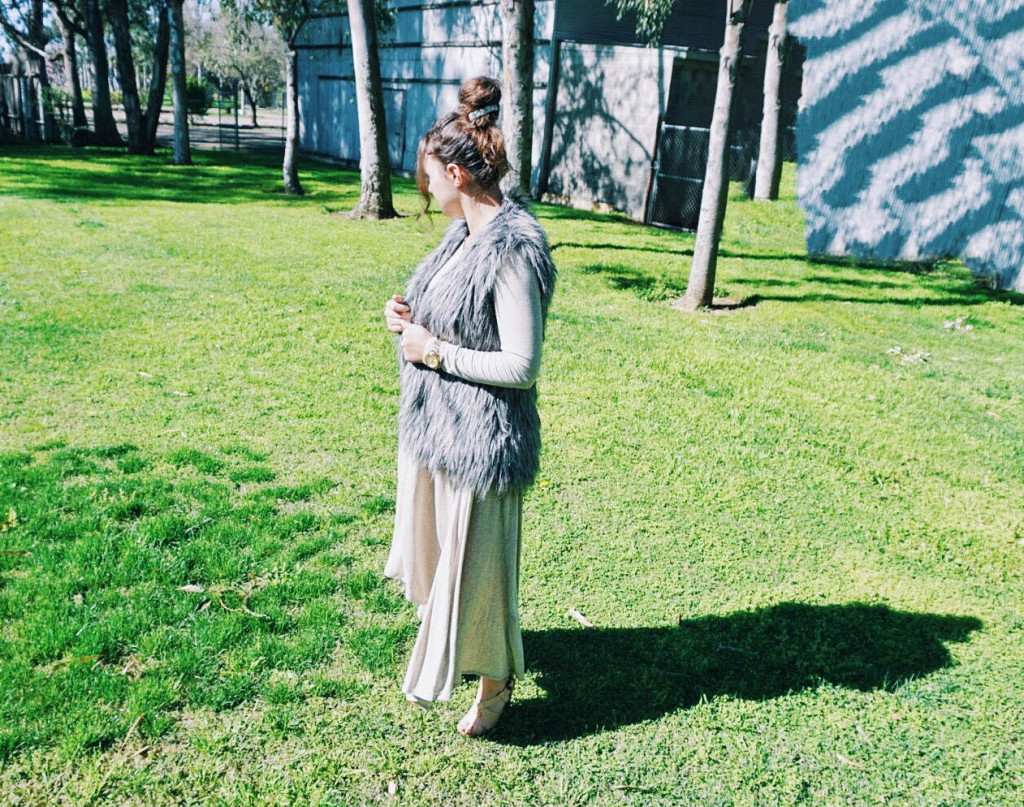Sunday Meets Comfy | Modest Outfit Inspiration with Brooklyn Scott for She's Intentional